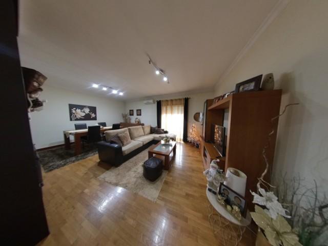 Um Preço Dois Apartamentos